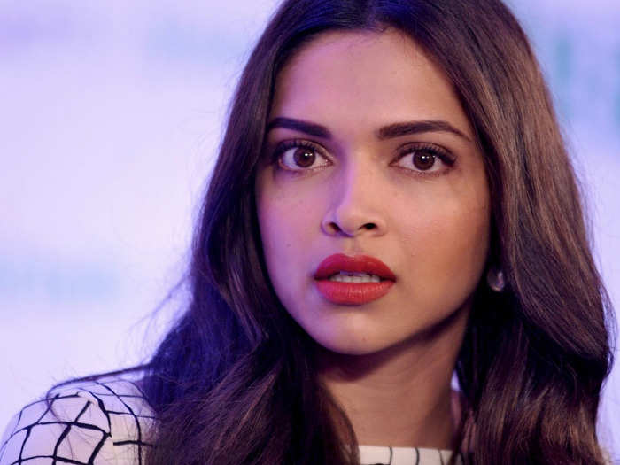 deepika padukone outfits which were trolled or criticized