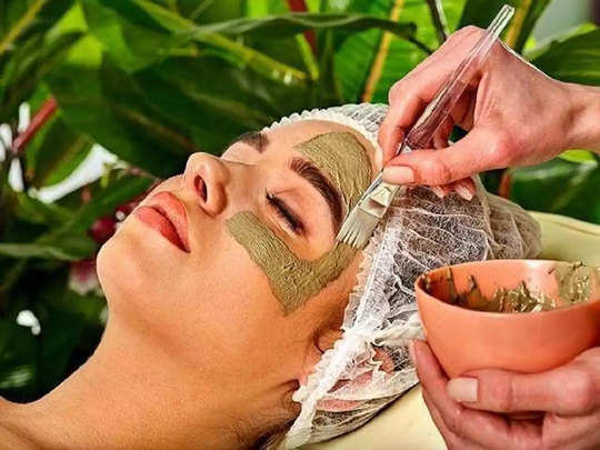 diy multani mitti and camphor face pack to prevent pimples