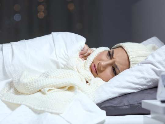 avoid sweaters warm clothes while sleeping in winter nights know its health risk