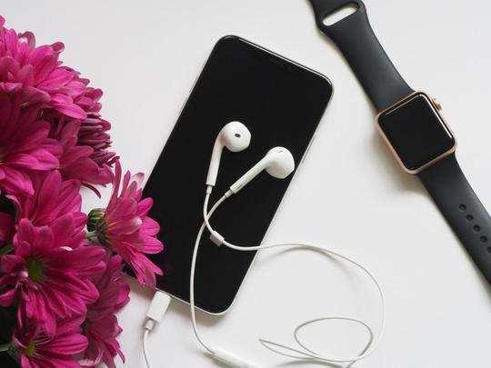 Earphones on Amazon : हैंड्स-फ्री कॉलिंग और शानदार म्यूजिक के लिए खरीदें ये स्टाइलिश Earphones