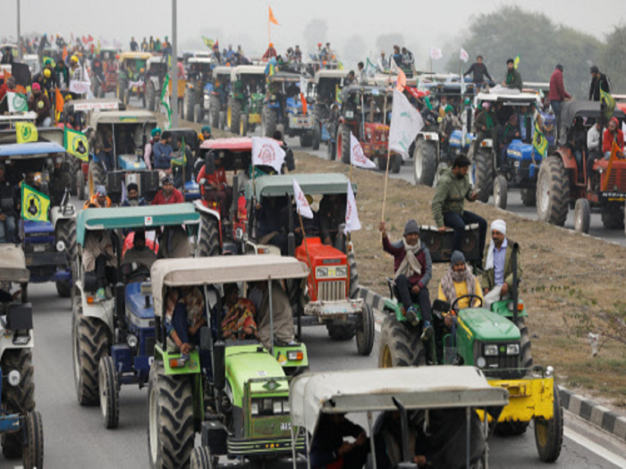 punjab haryana up farmers took out tractor rally at delhi borders to protest against three new farm laws