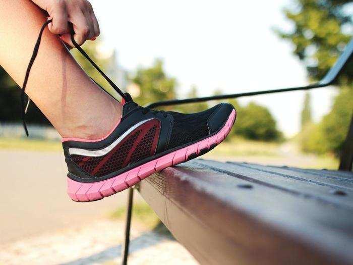 Running Shoes on Amazon : रनिंग के लिए ऑर्डर करें यह कंफर्टेबल Running Shoes