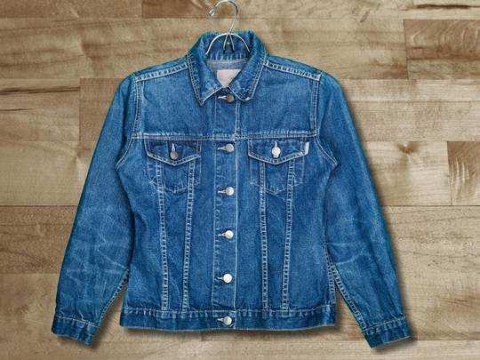Denim Jackets On Amazon : इस मौसम में Denim Jacket देंगे स्टाइलिश लुक, सस्ती कीमत पर देखें यह डील