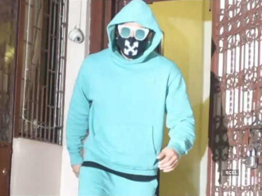 movie actor ranveer singh weird but safe look during coronavirus pandemic photos gone viral