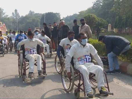 व्हील चेयर रेस के प्रतिभागी