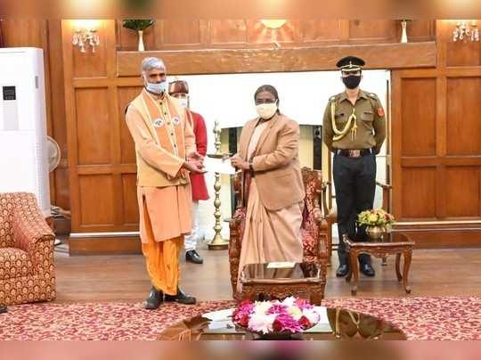 Jharkhand: राम मंदिर के लिए राज्यपाल द्रोपदी मुर्मू ने दिए 51 हजार 1 रुपये, राज्य के 25 हजार गांव में चलेगा अभियान