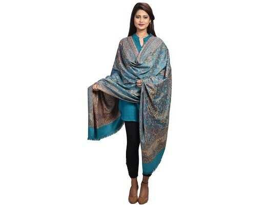 3,599 रुपए की Kashmiri Shawl मात्र 999 रुपए में खरीदें Amazon Winter Sale से