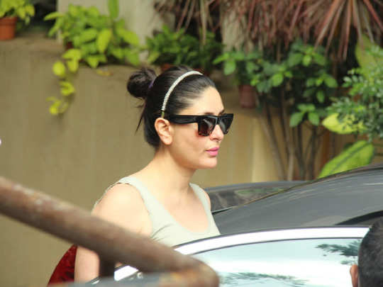 kareena kapoor looks cool in tank top and pants more than her friend malaika arora