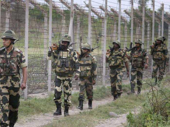 पाकिस्तान की फायरिंग का भारतीय सेना ने भी दिया जवाब