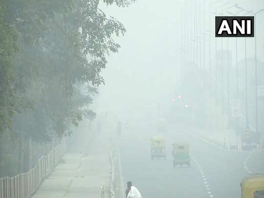 delhi weather update: a layer of fog continues to engulf ncr, delhi temperature down