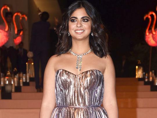 isha ambani wore statement gown by prabal gurung at the met gala 2019