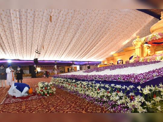 पंतप्रधान नरेंद्र मोदींची गुरु गोविंद सिंह यांना आदरांजली