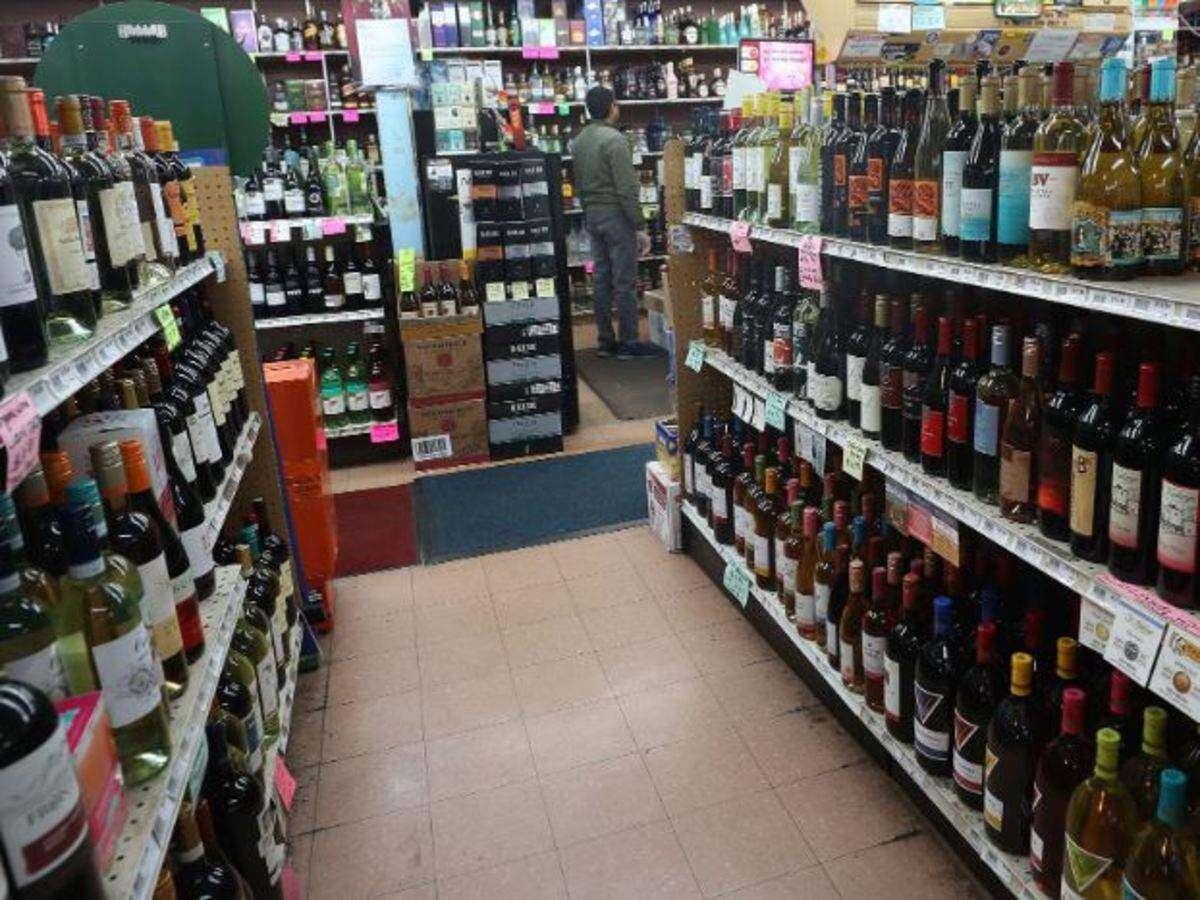 bjp-congress clash: bjp-congress clash after madhya pradesh government decided to open more wine shop to stop poisonous liquor business : वाइन शॉप ज्यादा खुलने से रुकेगा जहरीली शराब का कारोबार? BJP ...