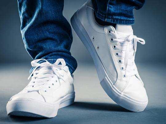 Amazon Republic Day Sale : स्टाइलिश दिखने के लिए पहने Sneakers, मिल रही है आकर्षक छूट