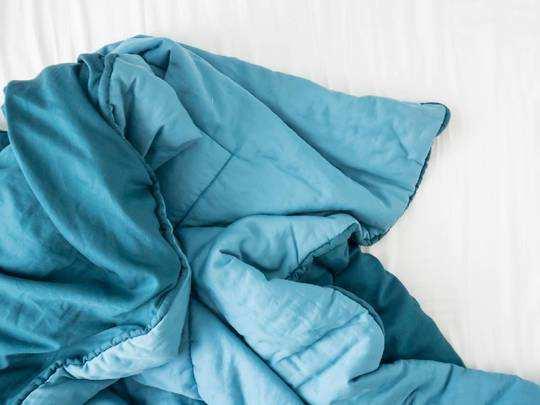 Comforter On Amazon : सर्दियों में गर्माहट भरा एहसास देंगे ये Comforters, आज ही करें Republic Day Sale से ऑर्डर