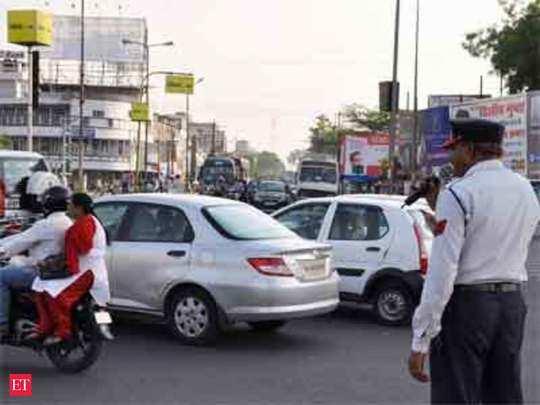 Car Insurance Premium : दिल्ली-नोएडा वाले ध्यान दें, अगर चालान कटा तो बढ़ जाएगा प्रीमियम