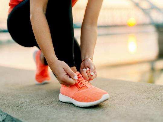 Sports Shoes On Amazon : खरीदें लाइटवेट और टिकाऊ Mens Sports Shoes, मिल रहा है बंपर डिस्काउंट