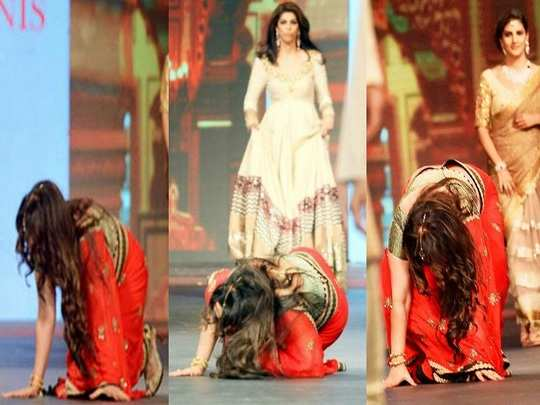 bollywood actresses falls down during ramp walk in marathi