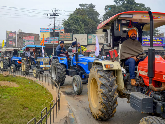 farmers tractor parade