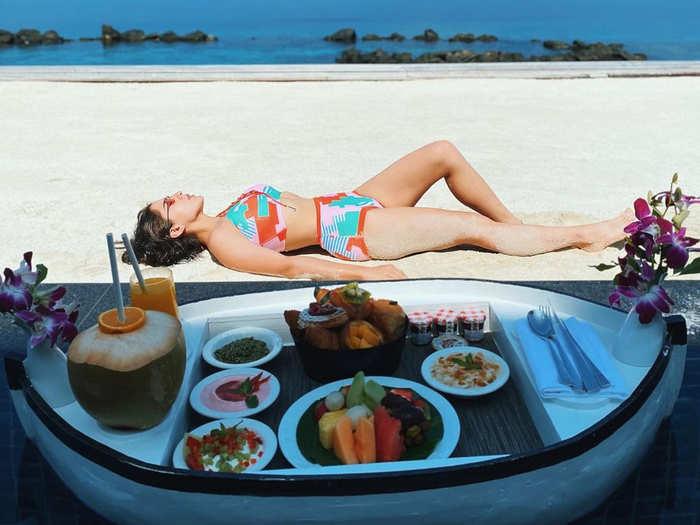 sara ali khan shares bikini photos from maldives where she enjoyed lunch in pool