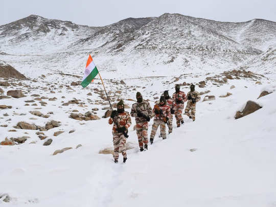 images of 72nd republic day 2021 celebrations from indian army and other troops on higher reaches