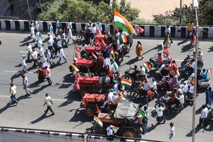 ಬೆಂಗಳೂರಿನಲ್ಲಿ ಕಿಸಾನ್ ಪರೇಡ್ ಝಗ.. ಮಗ..!