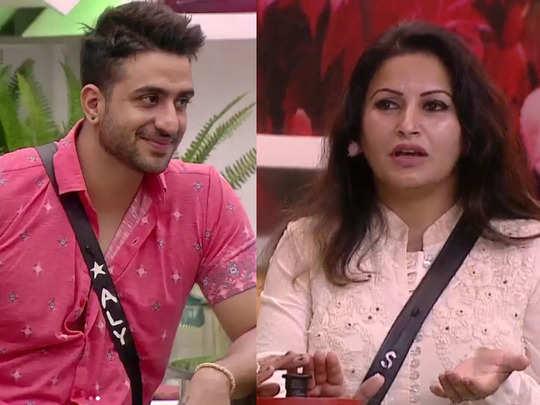 sonali phogat blasts trolls for calling her and aly goni maa bete ki jodi says priyanka nick to maa bete nahi hain