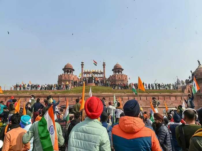 rampage on red fort in delhi during farmers protest, know what foreign media wrote on tractor rally violence