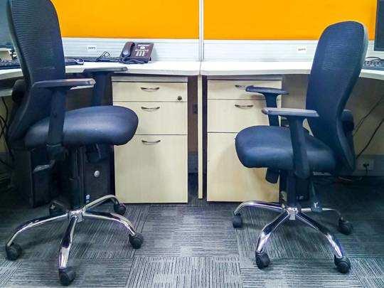 Office Chair On Amazon : आराम के साथ स्टाइल का बेजोड़ मेल हैं ये Office Chair, आज ही करें ऑर्डर