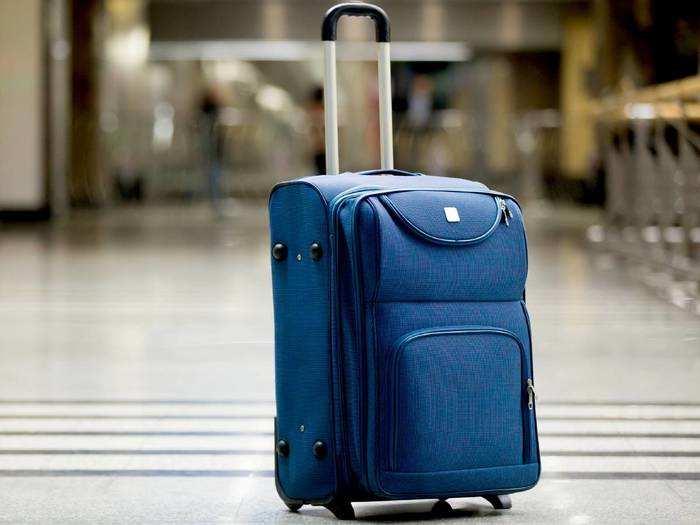 Luggage Bags On Amazon : वीकेंड के मौके पर Luggage Bag पर मिल रही 55% की छूट, जल्दी करें ऑर्डर