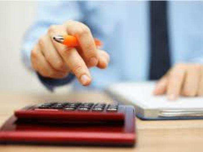 अलाउंस कर्मचारी को उसकी सर्विस से जुड़ी जरूरतों या खर्चों के संबंध में दिया जाता है।