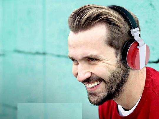 Headphones On Amazon : आधे से भी कम कीमत पर मिल रहे यह ब्रांडेड Wireless Headphone, तुरंत करें ऑर्डर