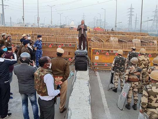 Kisan Andolan: तार बैरिकेडिंग पर बोले दिल्ली पुलिस कमिश्नर, हिंसा में हमारे 500 से ज्यादा जवान घायल हुए, अब बताइये हम क्या करें?