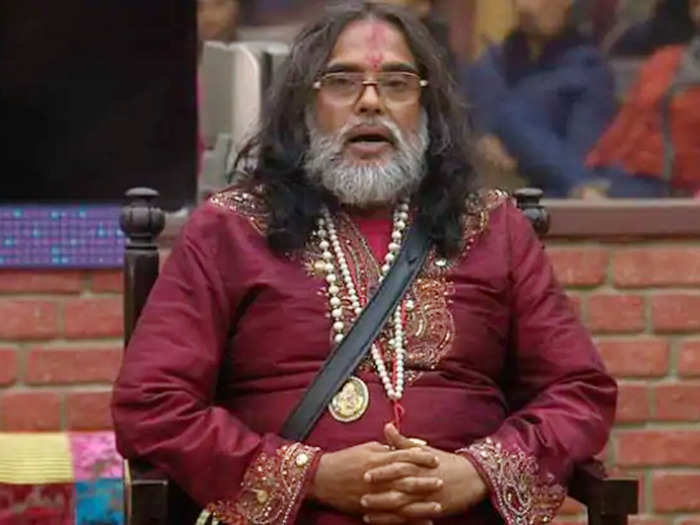 when swami om was beaten up and thrashed by public threw toilet on a bigg boss contestant
