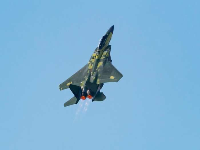 boeing f-15ex jet makes its first flight, see viral video, know comparison with india rafael-and su-30mki