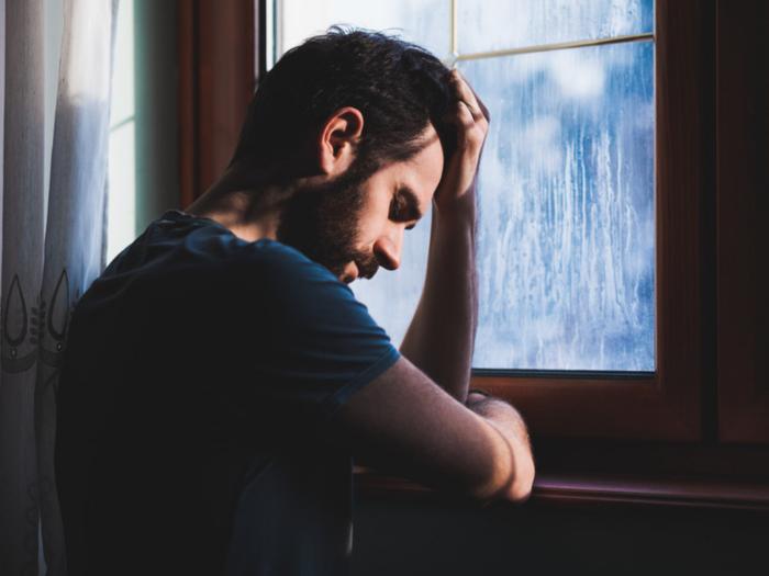 सतत एकटेपणा व मानसिक स्ट्रेस जाणवतोय? मग यावर मात करण्यासाठी ट्राय करा या खास टिप्स!