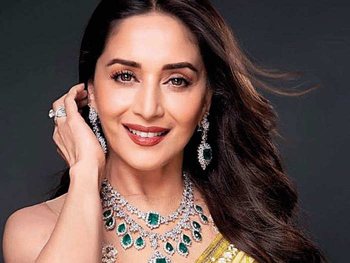 madhuri dixit shared two beauty enhancing home made face packs recipe