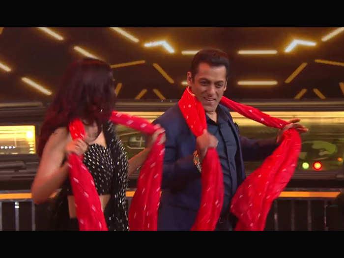 salman jasmin chunari chunari dance