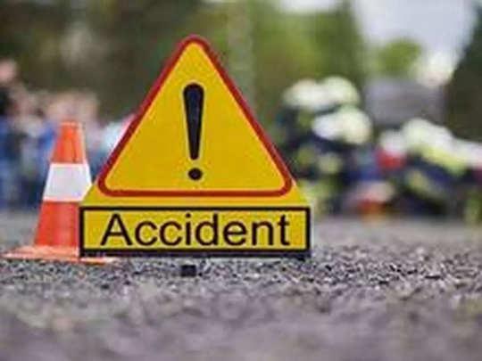 कराडजवळ पुणे-बंगळूर महामार्गावर भीषण अपघात; ४ जणांचा मृत्यू, १ जखमी