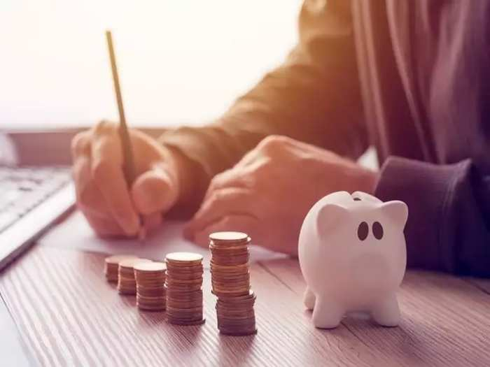 tax benefit on fd investment, income tax deduction on fixed deposit, tds on fd interest