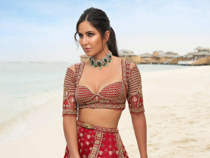 katrina kaif in red lehenga stuns her fans with her beauty