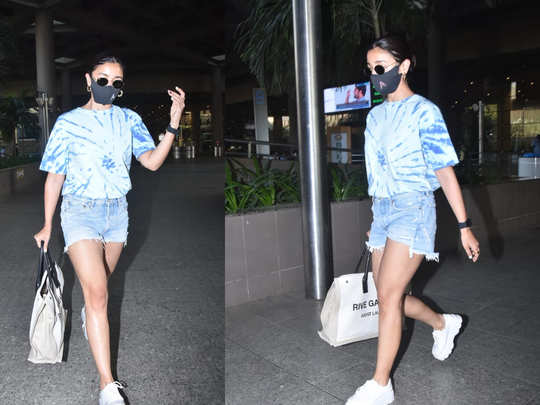 Alia Bhatt Spotted At Airport
