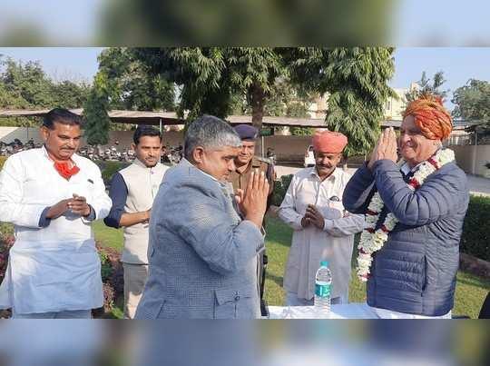 चंबल के डकैतों की रोकथाम के लिए स्थानीय ग्रामीणों ने रखी पुलिस चौकी की मांग, पूर्व विधायक और भामाशाहों ने किया ये इंतजाम
