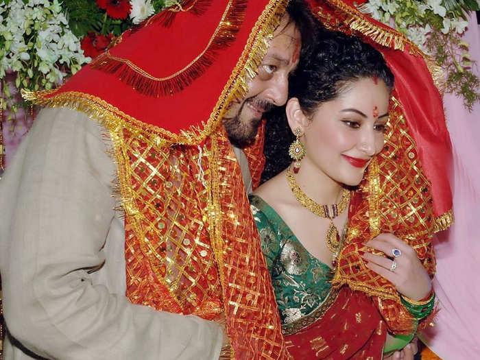 Manyata dutt on her anniversary