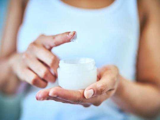 Body Lotion On Amazon : Amazon से 50% तक डिस्काउंट पर खरीदें ये Body Lotions, रूखी बेजान त्वचा से पाएं छुटकारा