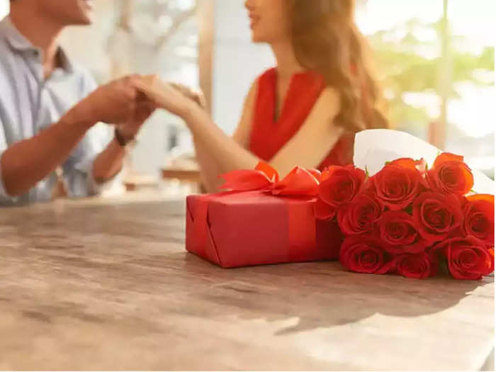 why is valentines day celebrated and what is the true story behind it in marathi
