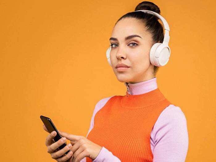 Headphones On Amazon : खरीदें दमदार साउंड वाले ब्रांडेड Headphones, Amazon पर मिल रहा हैवी डिस्काउंट