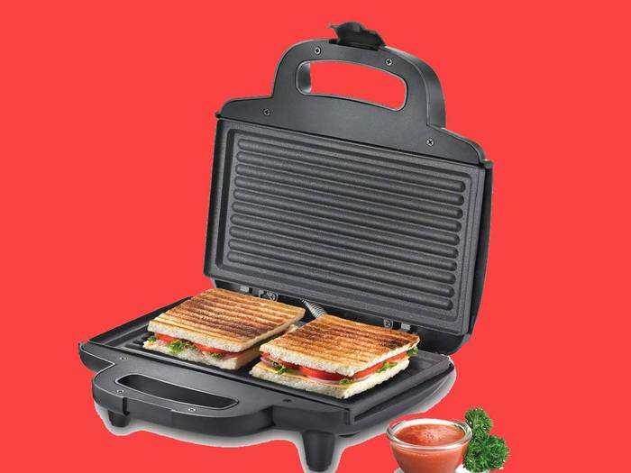 Sandwich Maker On Amazon : मिनटों में बनाएं कुरकुरे सैंडविच, हैवी डिस्काउंट पर खरीदें शानदार Sandwich Maker