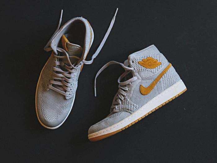 Mens Fashion : Sneakers ऐसा जो फैशन में लगाए तड़का, 60% की छूट पर यहां से करें ऑर्डर