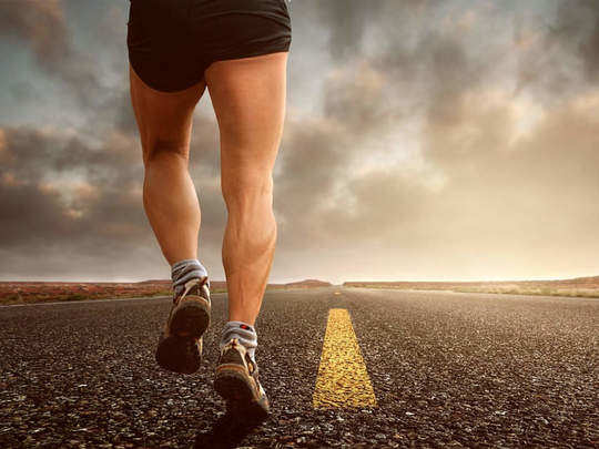 जाणून घ्या रोज किती पावलं चालल्याने आरोग्यास फायदे होतात व लठ्ठपणा कमी होतो?